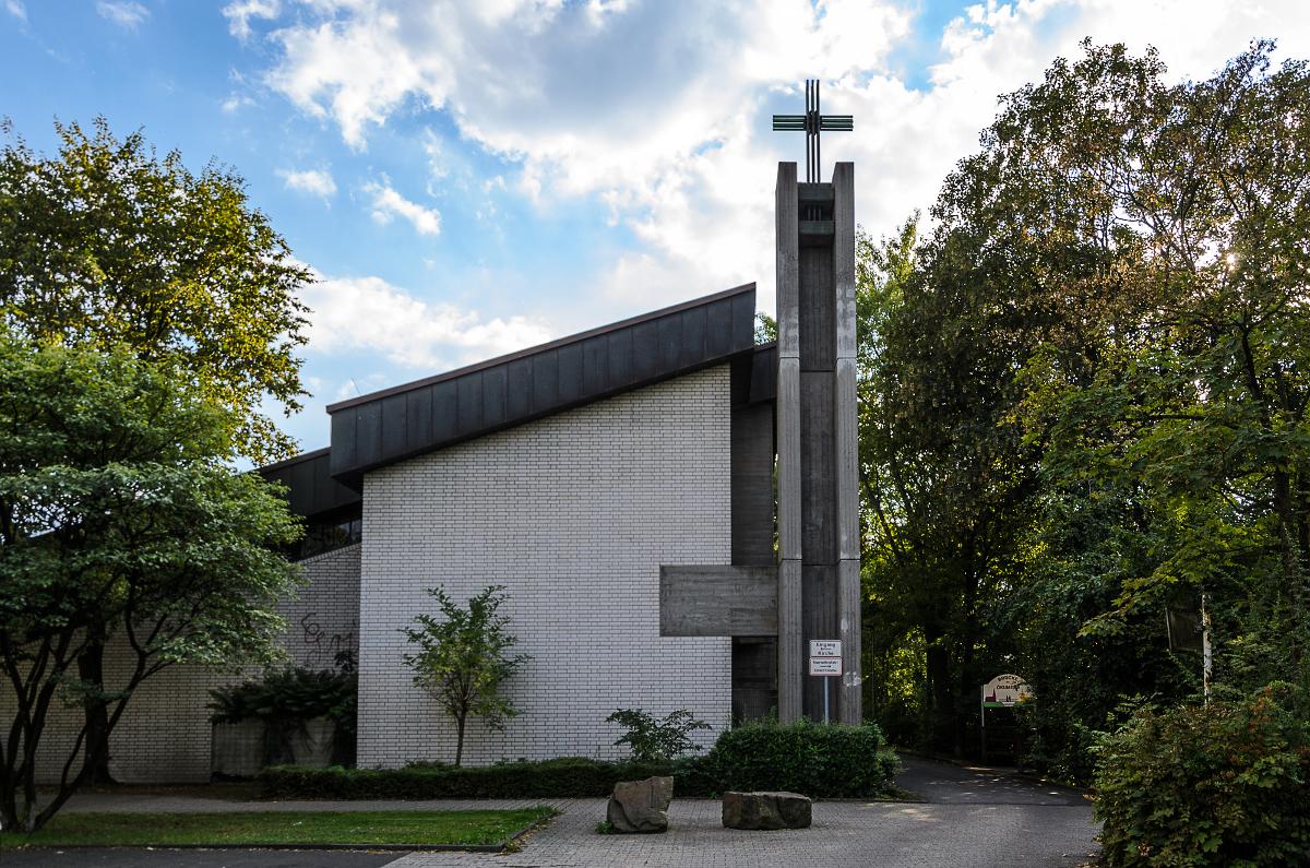 Lukaskirche aussen