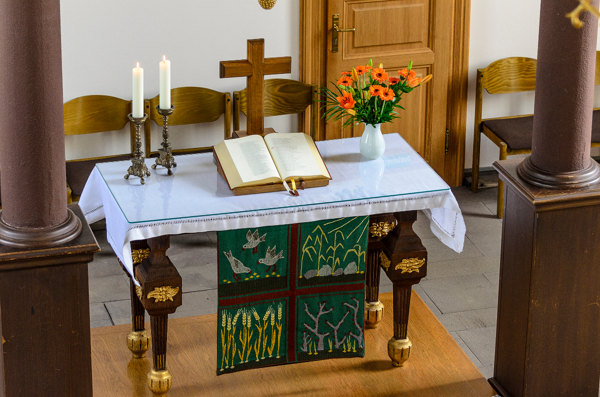 Martin-Luther-Kirche Altar