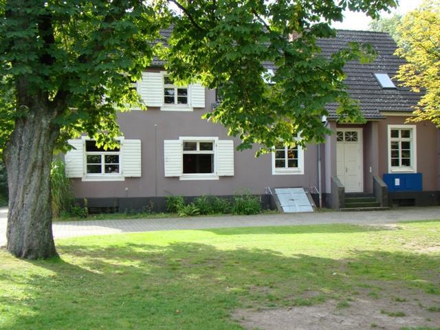 """Evangelisches Jugendhaus """"Alte Schule"""" (Richrath)"""