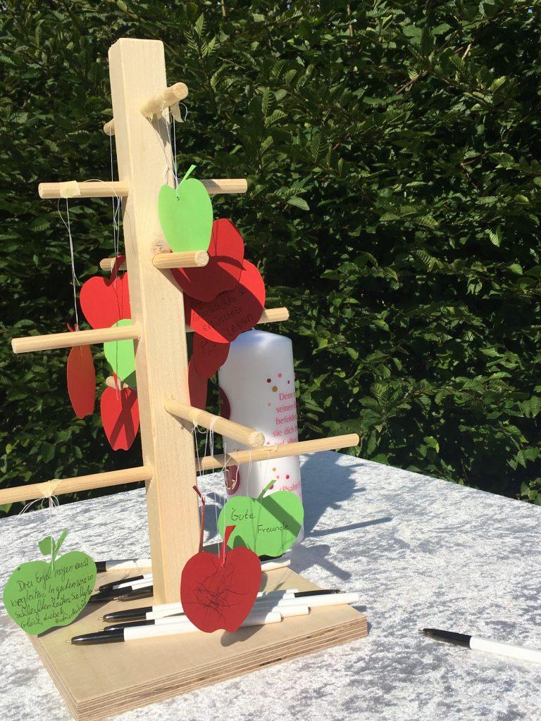 Taufbaum mit guten Wünschen für den Täufling